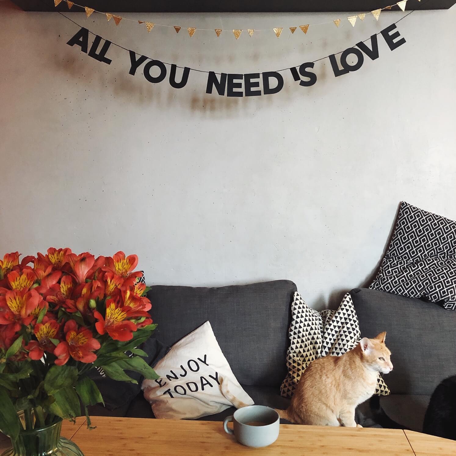 Купить Гирлянда ALL YOU NEED IS LOVE , taksebeprazdnik, Россия