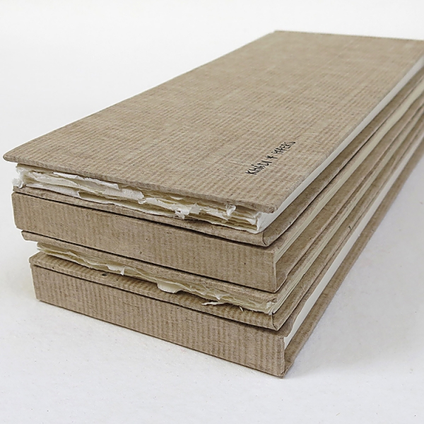 Купить Альбом для акварели KHADI PAPERS 13х32 см 40 л 210 г 100% хлопок, мелкозернистая, твердая обложка, Индия