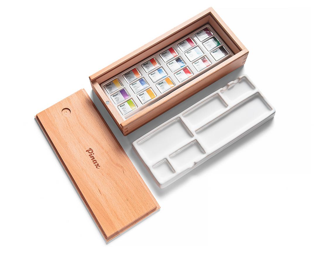 Купить Набор акварели Pinax 18 кювет, в деревянном пенале с фарфоровой палитрой и кистью Hi-Tech №5, Китай